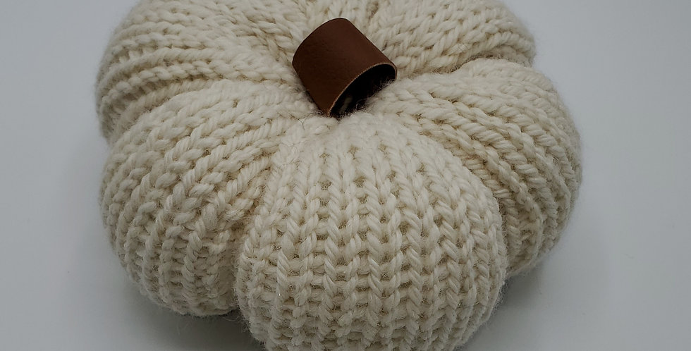 Handmade Pumpkin - medium neutral