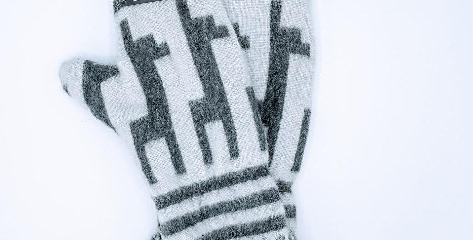 Alpaca Print Fleece Lined Mittens - Large Alpaca Motif with Fringe