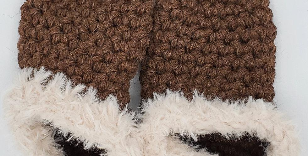 Handmade alpaca slippers - size 6/7