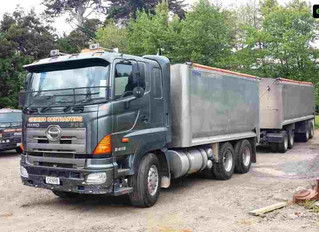 *** SOLD *** Bulk tipper and trailer for sale