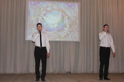 Нуриахметовы Азамат и Зиннур поют песню на татарском языке