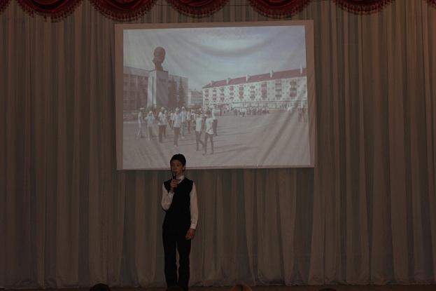 Мансуров Эльмир рассказывает стихотворение на башкирском языке