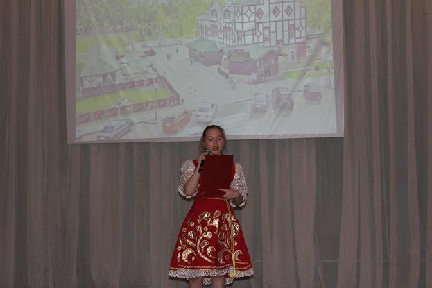 Бикбаева Инесса читает стих Мустая Карима