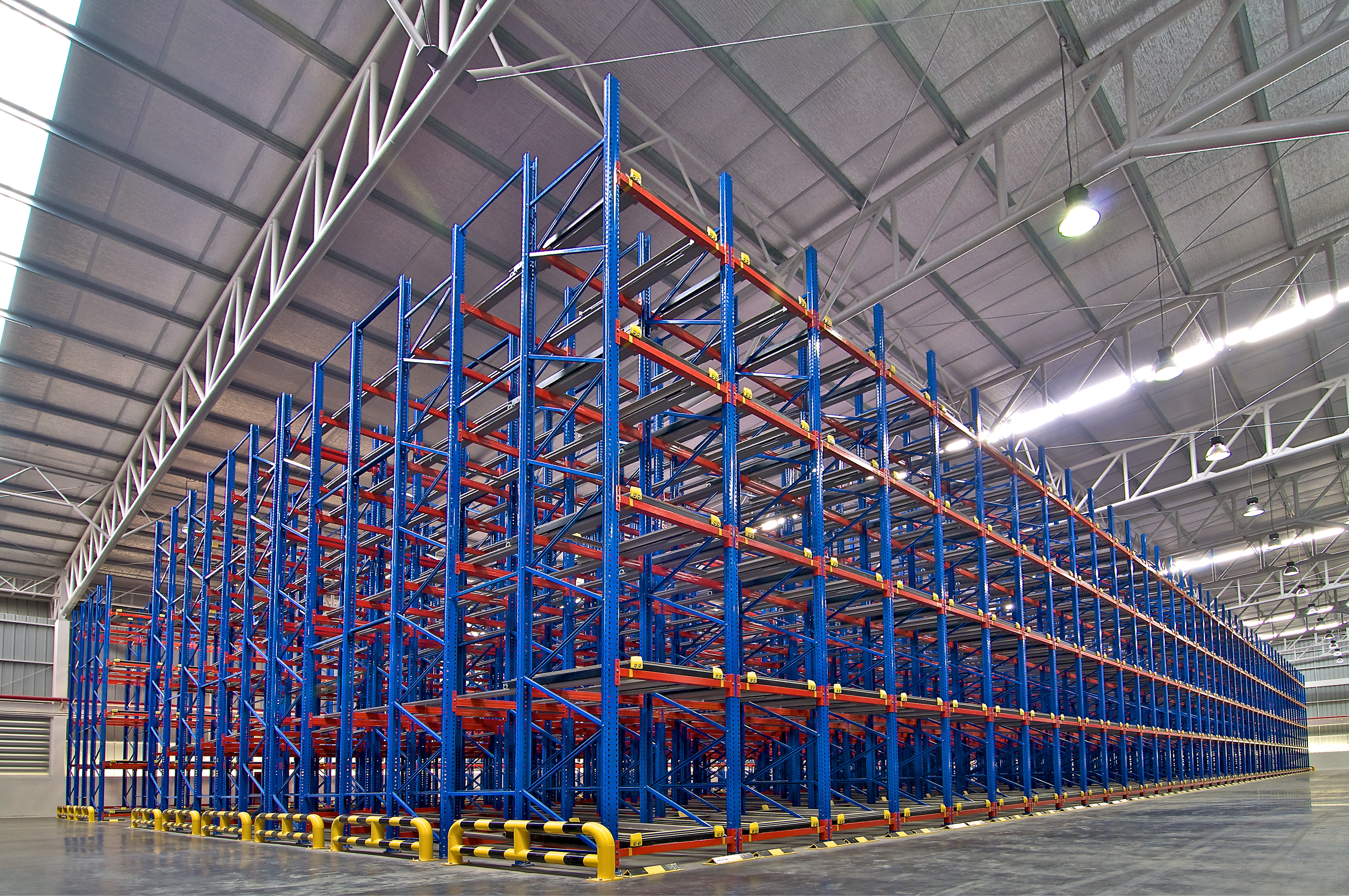 industrial-shelving-metal-pallet-racking-storage-PFZQF63