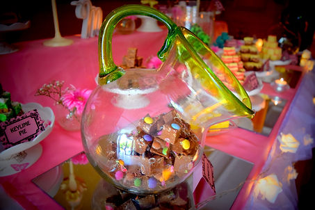 wedding candy tabe cork