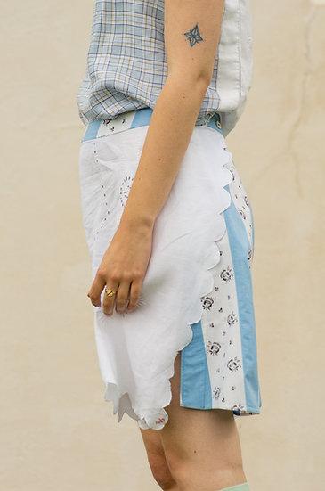 Scalloped Edge Tablecloth Shorts