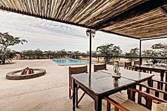 wilderness-luxury-tents-swimming-pool.pn