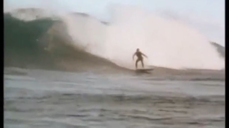 HEY GINGER ! - Endless Red Sea Surfing