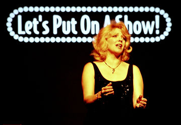 Lenni Stewart sings I Dreamed a Dream for Mickey Rooney concert 'Let's Put On A Show'