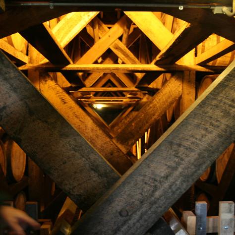0000173 Kentucky Distillery Rafters Warm