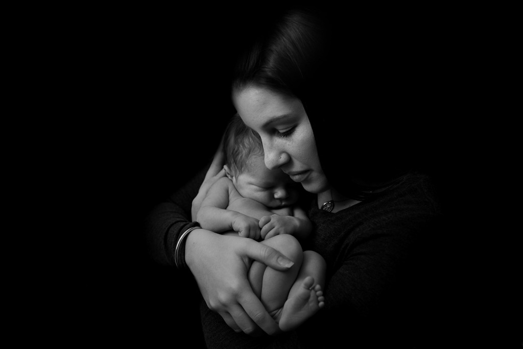 mother daughter son newborn family photo adelaide