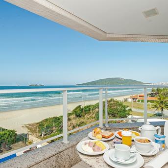 Apartamentos à Beira Mar