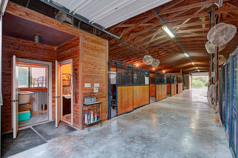 101 Spears Ranch Rd - Stables - Interior
