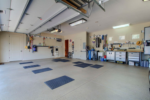 Garage - 00004.jpeg