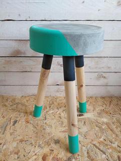 שרפרף בטון | עיצוב בבטון | סדנת בטון | GRAYISH & CO