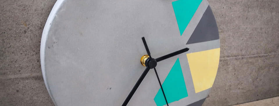 ערכת יצירה לבניית שעון בטון צבעוני