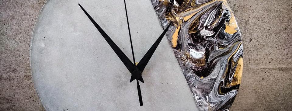 שעון בטון -מיקס שחור זהב לבן