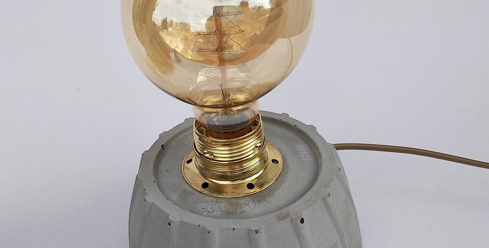 מנורת שולחן מבטון - תעשייתית עגולה