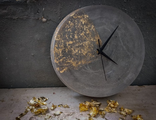 שעון בטון - עלי זהב - סדנת בטון