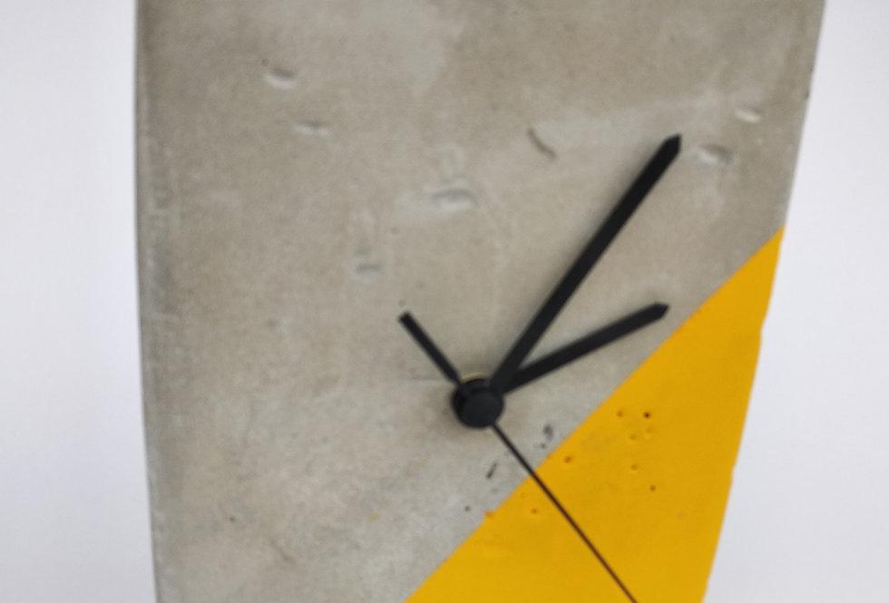 שעון שולחני מלבני מבטון