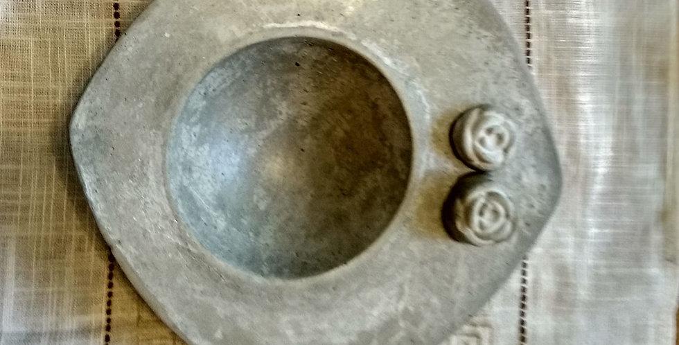קערה א-סימטרת מבטון