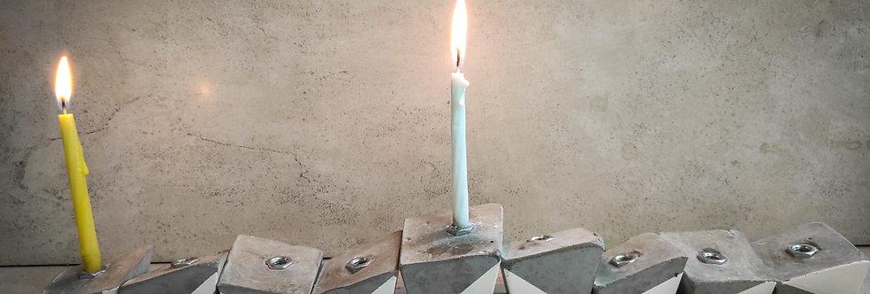 ערכת ליצירת חנוכיה א-סימטרית מבטון