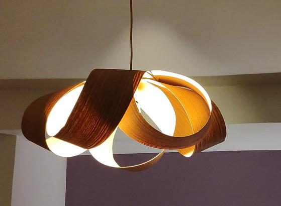 מנורת-תקרה---פורניר---עיצוב-גופי-תאורה.j