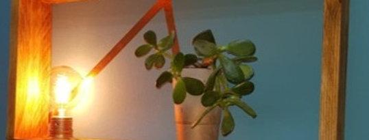 ערכת נגרות - מדף עם עם תאורה ועציץ בטון