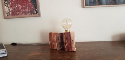 מנורת בול עץ - סדנת עיצוב גופי תאורה
