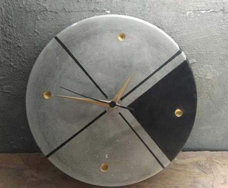 שעון בטון - עיצוב בבטון