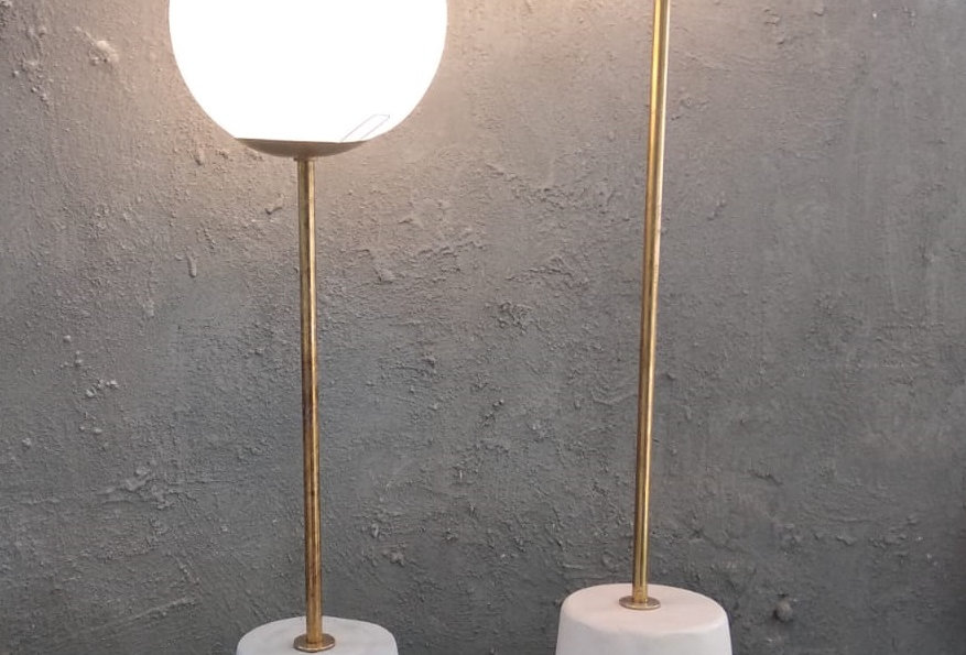 מנורת שולחן - בטון טארצו