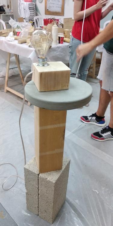 מנורת-רצפה---עיצוב-גופי-תאורה.jpg