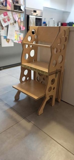 מגדל למידה מעץ מתקפל - הופך לכיסא דוגמאת