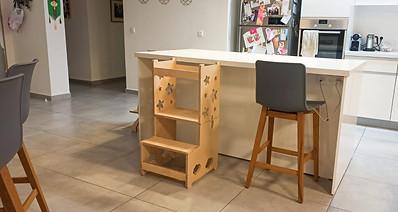 מגדל למדיה - מתפקל לשולחן או כיסא .jpeg
