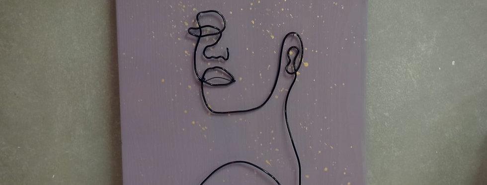 תמונת קיר עם ציור חוטי ברזל - אישה