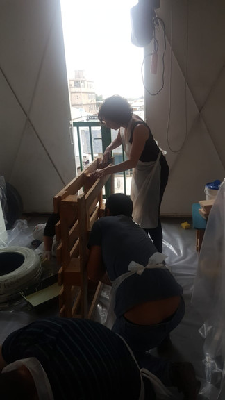 בניית ספרייה ממשטח עץ