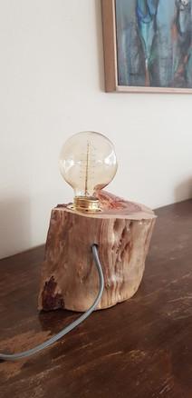 מנורת שולחן - בול עץ - גוף תאורה