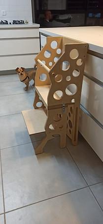 ערכת נגרות-מגדל למידה - הופך לכיסא.jpg