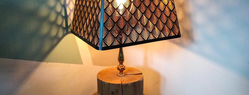 מנורת שולחן מעץ - עם בול עץ