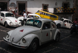TaxcoTaxiVochos.jpg