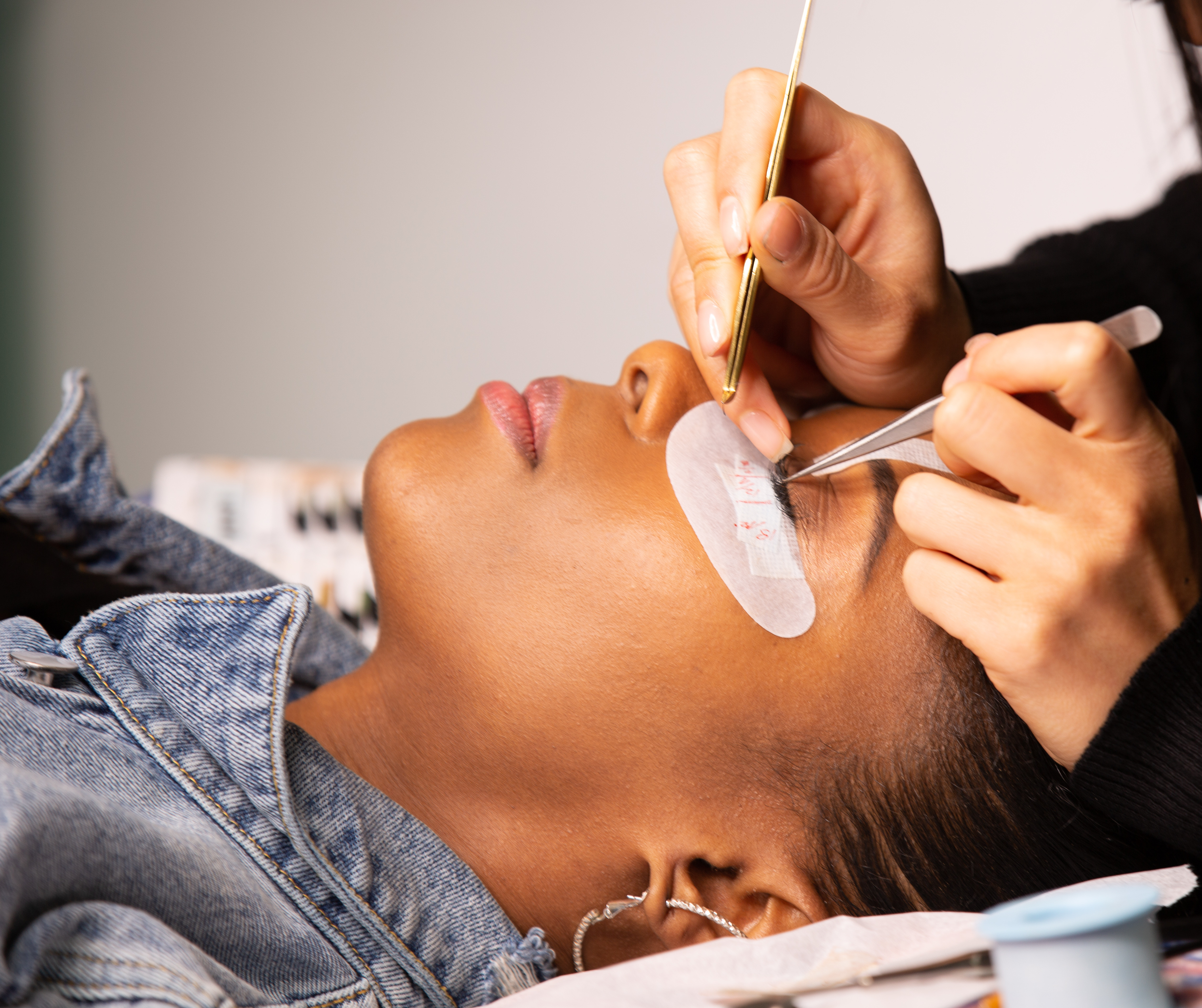 Lash Extensions Group Training (w/ kit)