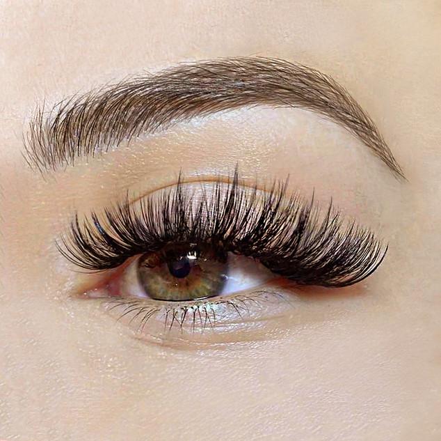 Wispy Volume Eyelash Extensions