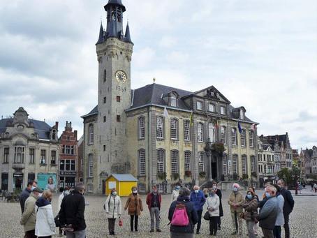 Fotoverslag van de oktobervergadering, een historisch-poëtische herfstwandeling In Lier