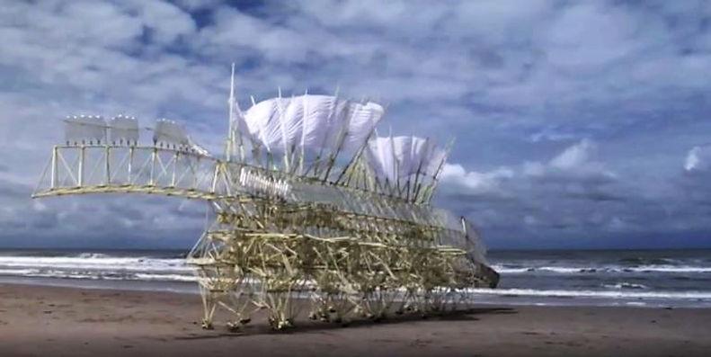 2 mei 2020 - De strandbeesten van Theo Jansen