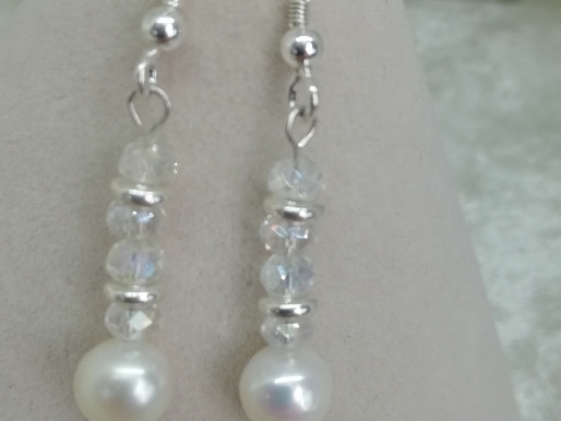 Handmade Freshwater pearls with crystals earrings