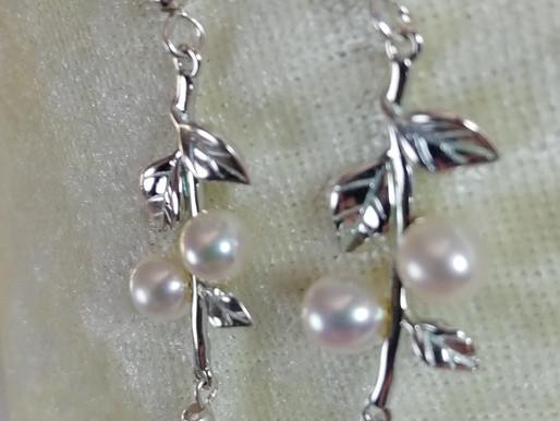 Handmade Elegant sterling leaf design with freshwater pearls earrings