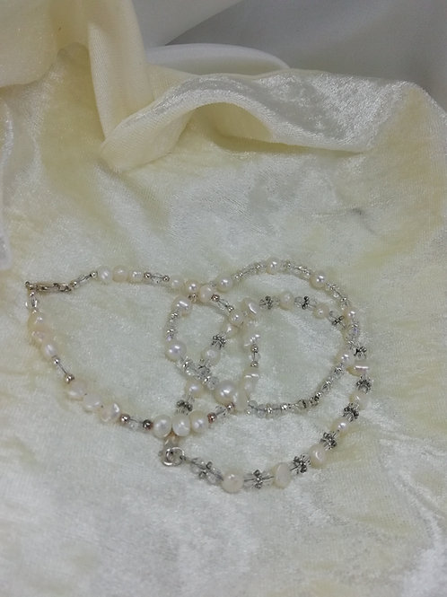 Freshwater Pearls set with Crystals and Silver Bracelet