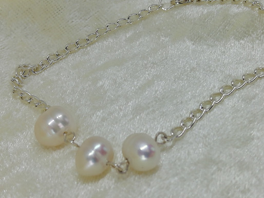 Handmade 3 freshwater pearls simply set on silver trace chain with silver clasp bracelets