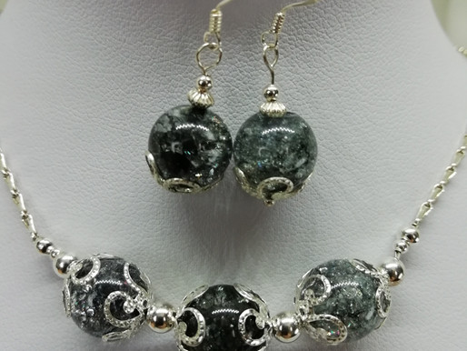 handmade Grey crackle quartz beads with silver end caps earrings