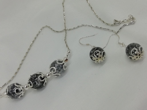 Handmade Grey crackle quartz beads with silver necklace